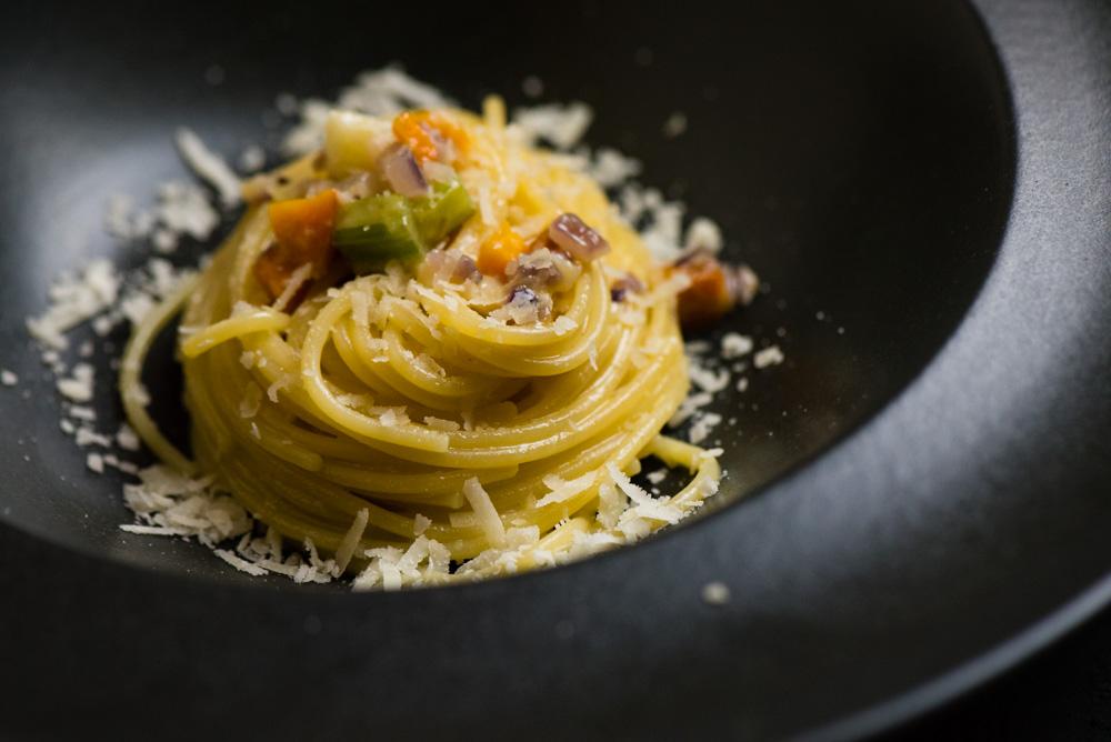 Spaghetti z kremem z sera Grana Padano ChNP
